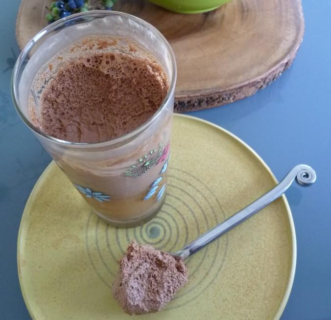 das ist Schokoladen-Mandel-Kokosnuss-Milch
