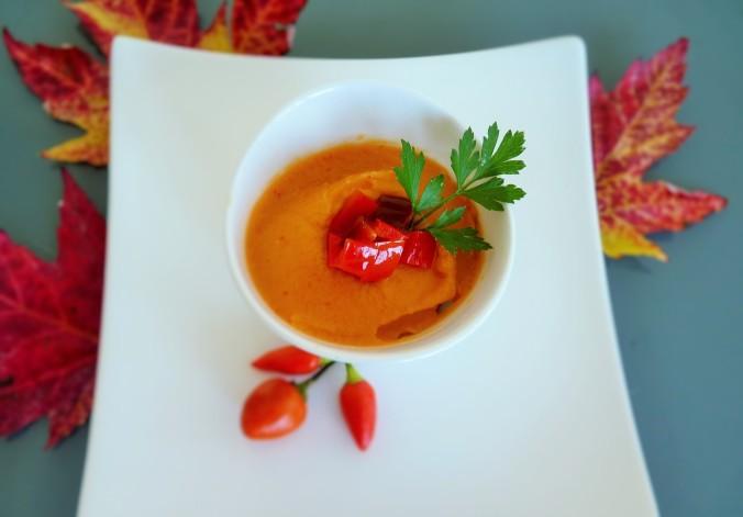 Bohnenaufstrich mit pürierten scharfem Paprika