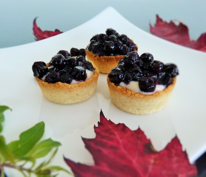 lemon cheese cake with blueberry