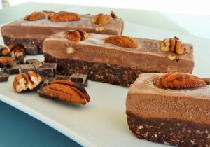 mousse au chocolat Schnitte aus dem Kühlschrank