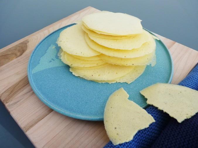 Ananas pürriert und dehzdriert = Chips