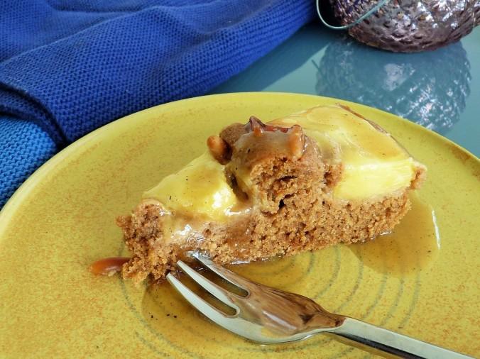 mein nicht so süßer veganer Ananaskuchen mit Karamellsoße
